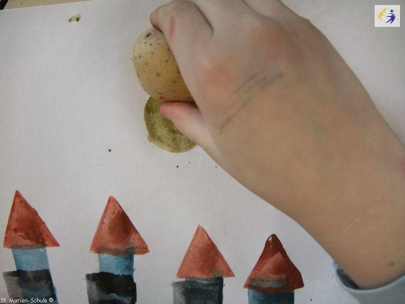 14-11-potato-stamping-15