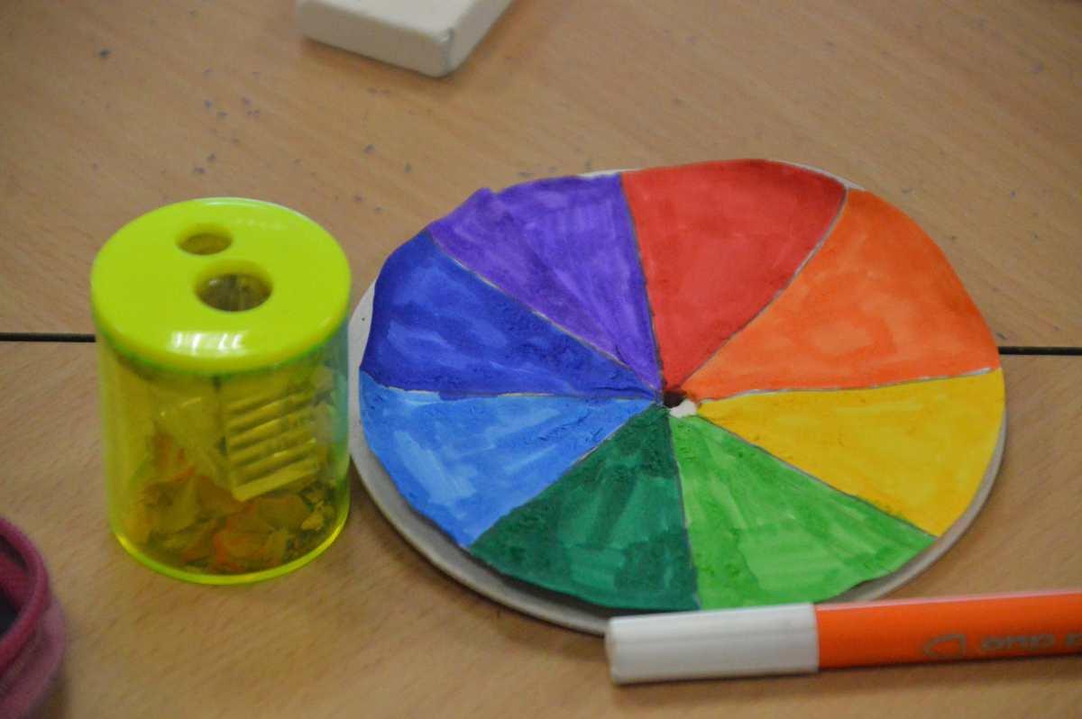 21-10-07-forschertag-farbmischung-kreisel-2